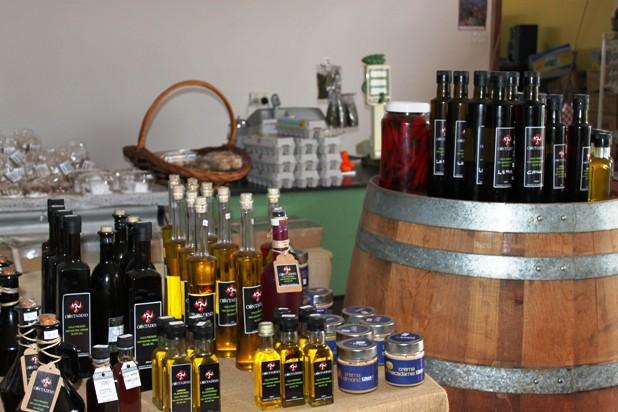 Contadino olive farm